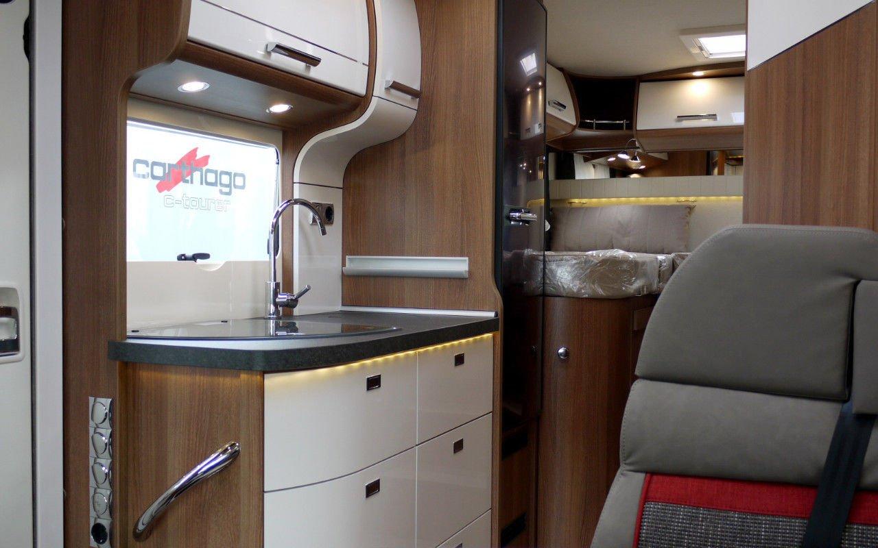 Teilintegrierter CARTHAGO c-tourer T 143. Modell 2018 bei Caravan-Herrmann in Mülheim an der Ruhr