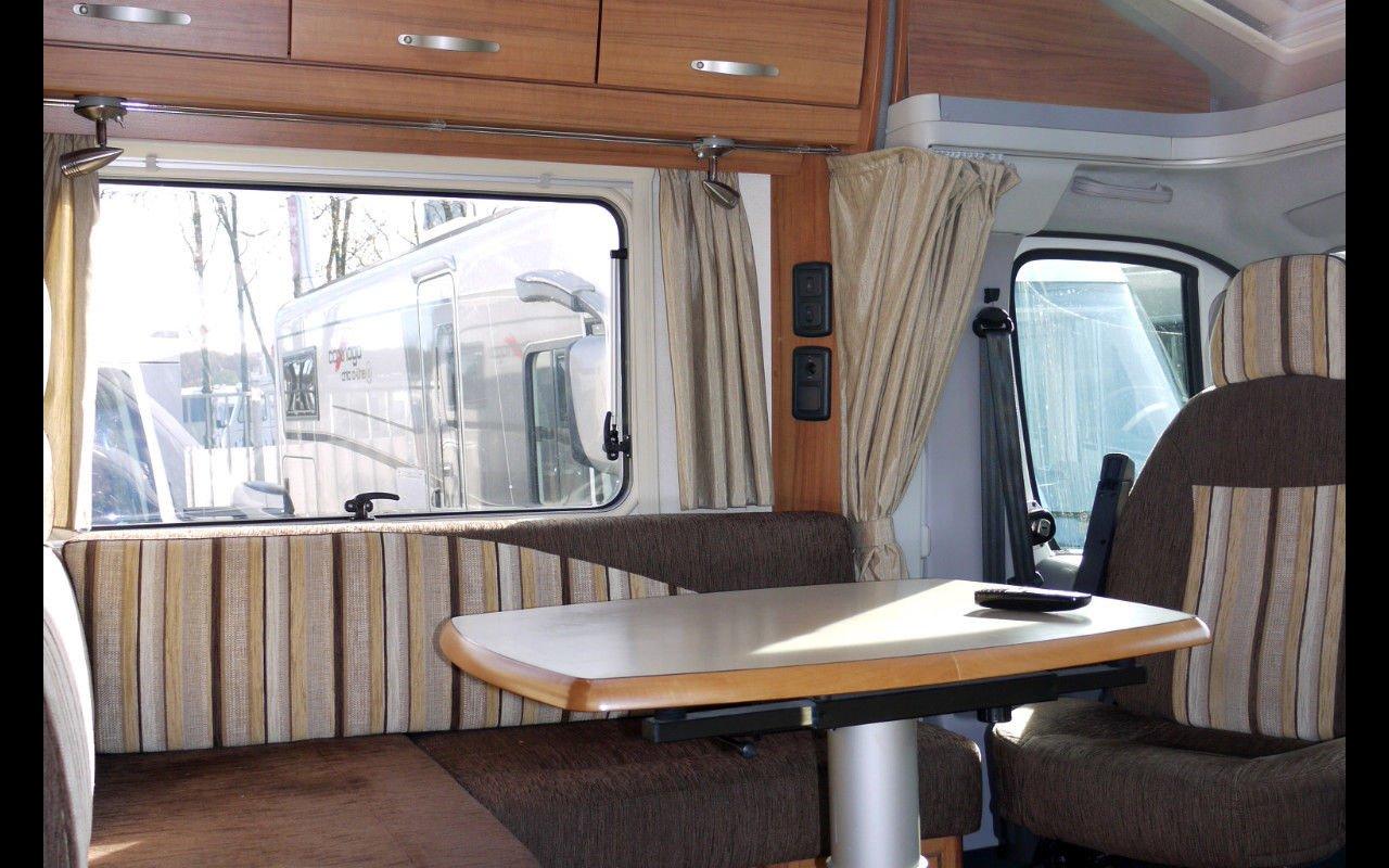 Teilintegrierter EURAMOBIL Terrestra T 700 EB bei Caravan-Herrmann in Mülheim an der Ruhr