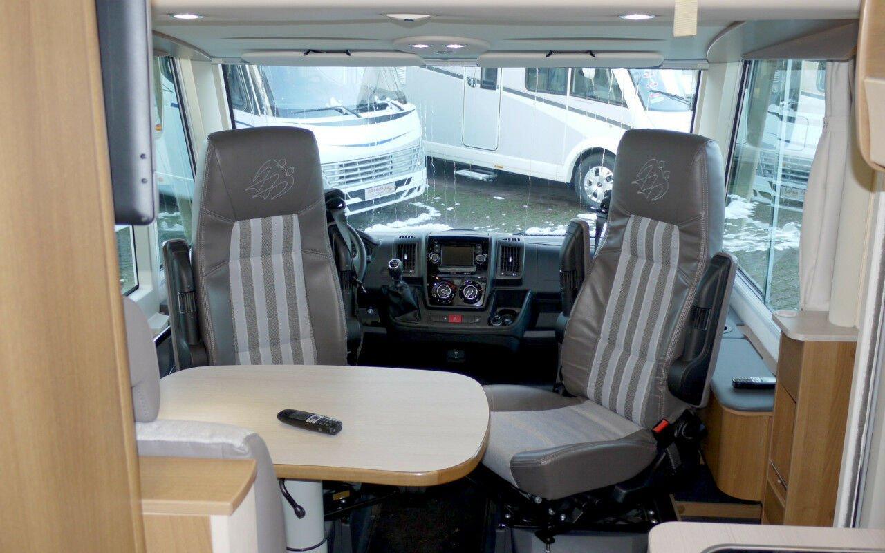 Integrierter CARTHAGO chic e-line I 51 QB Suite. NPE: 158.840,-- ¤ bei Caravan-Herrmann in Mülheim an der Ruhr